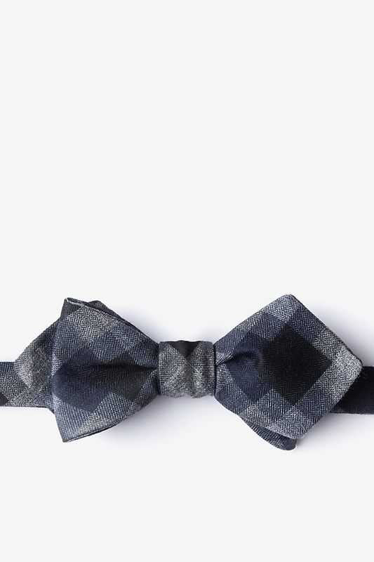 Richland Black Batwing Self-Tie Bow Tie Batwing Bow Tie Photo (0)