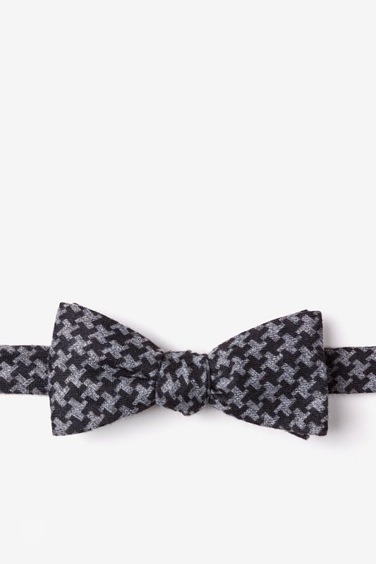 Tempe Black Skinny Bow Tie Photo (0)