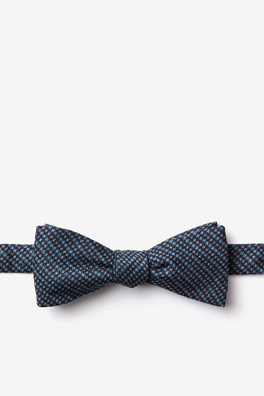 Gilbert Blue Skinny Bow Tie Photo (0)