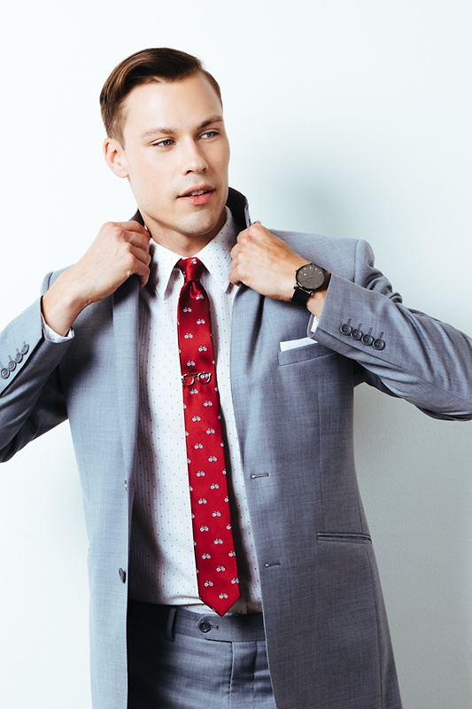 Bicycles Burgundy Skinny Tie Photo (2)