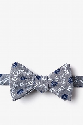 La Grande Gray Self-Tie Bow Tie