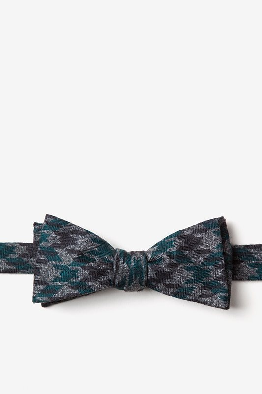 Chandler Skinny Bow Tie