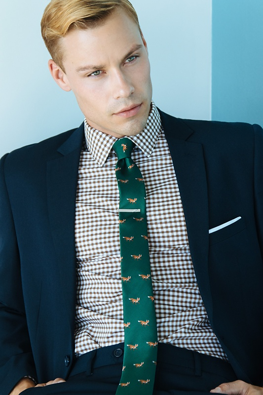 Prowling Foxes Skinny Tie Photo (3)
