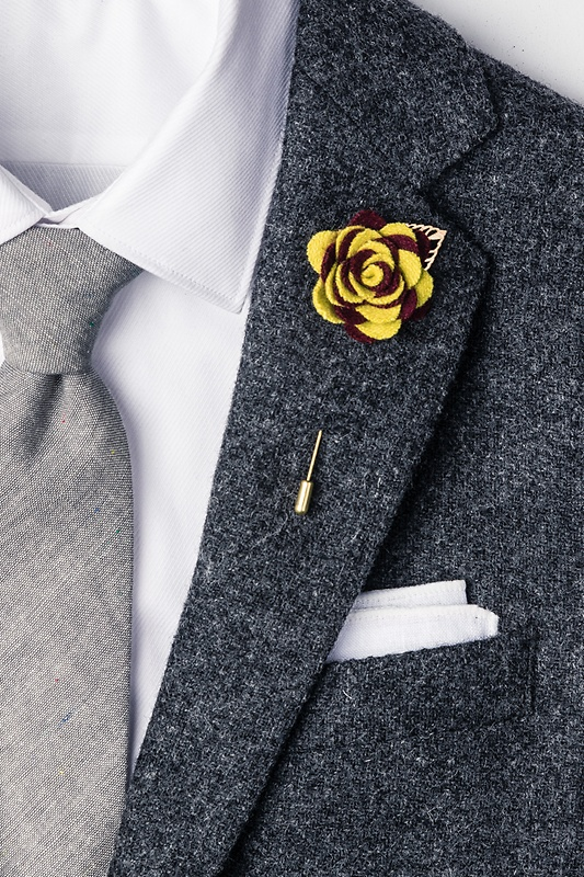 Two-toned Flower Gold Leaf Lapel Pin