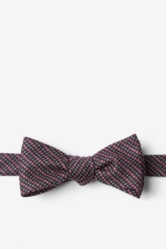 Gilbert Pink Skinny Bow Tie Photo (0)