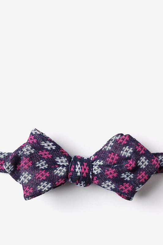 Roseburg Pink Diamond Tip Bow Tie Photo (0)