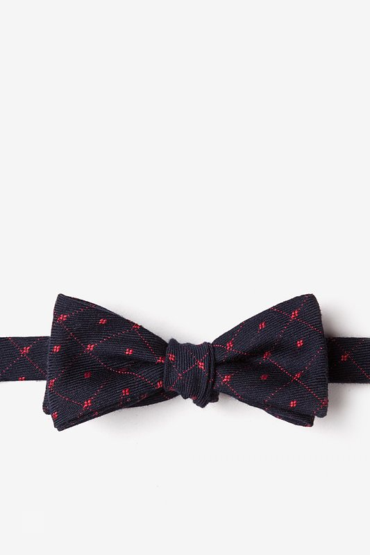 Gresham Red Skinny Bow Tie Photo (0)