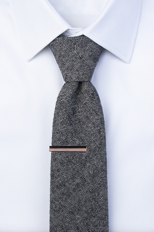 Frosted Curve Tie Bar