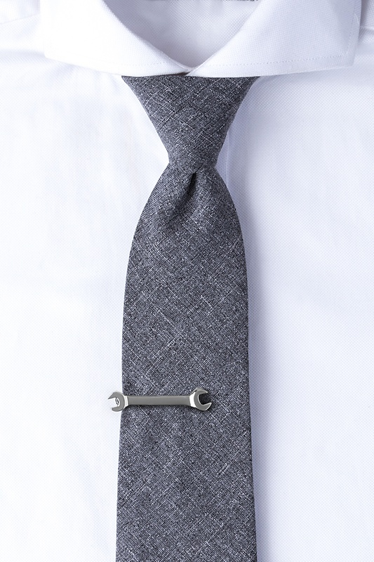 Wrench Tie Bar Photo (1)