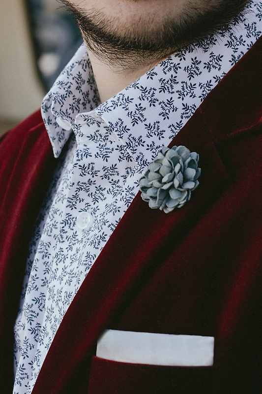 Chrysanthemum Slate Lapel Pin Photo (1)