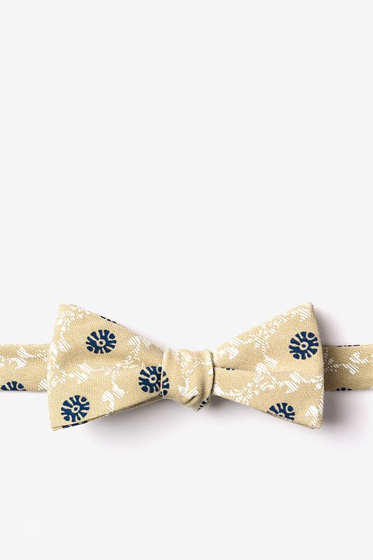 La Grande Yellow Skinny Bow Tie Photo (0)